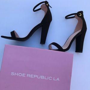Show Republic LA size 10